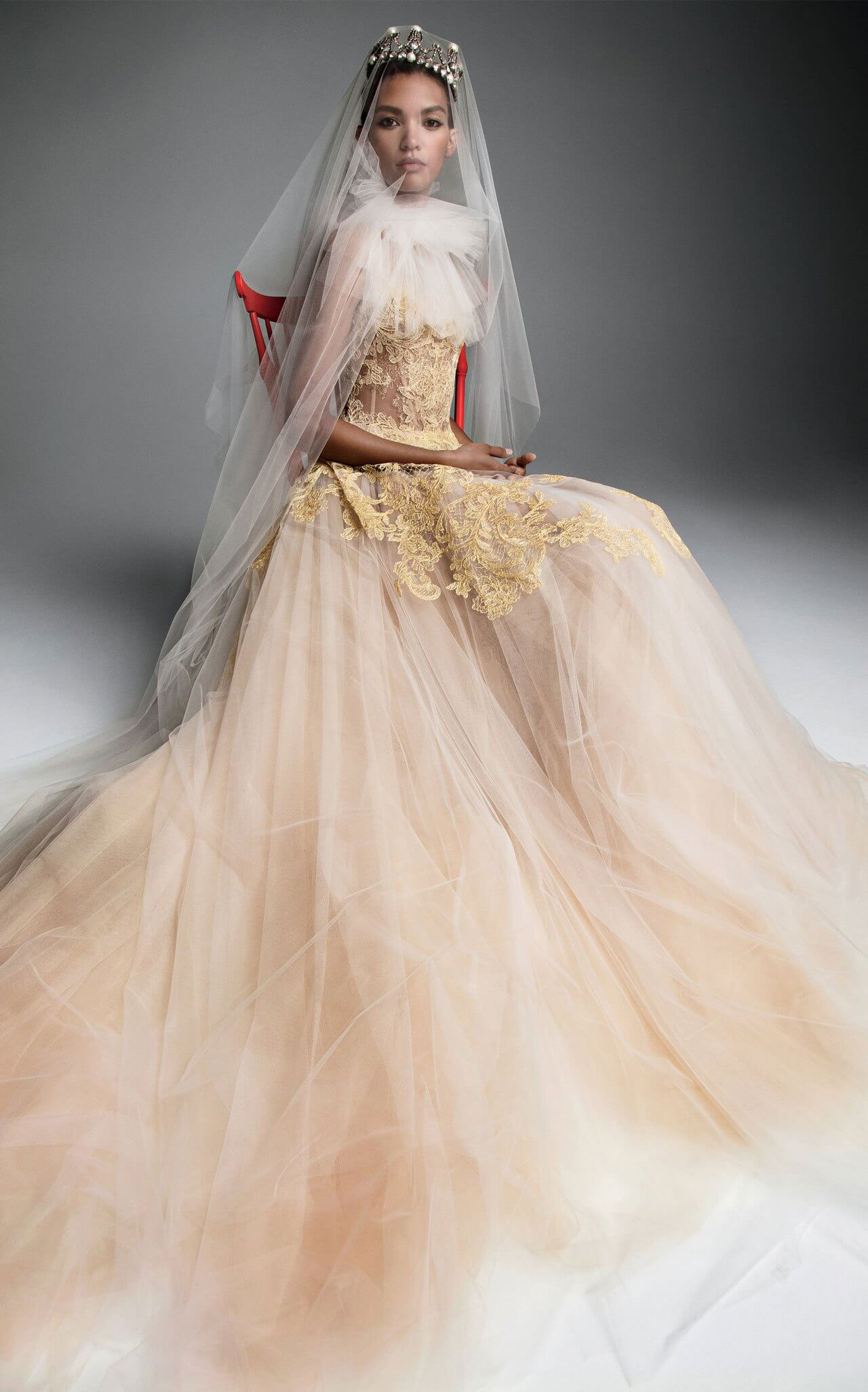2019 Will See Gold Wedding Dresses Walk Down the Aisle